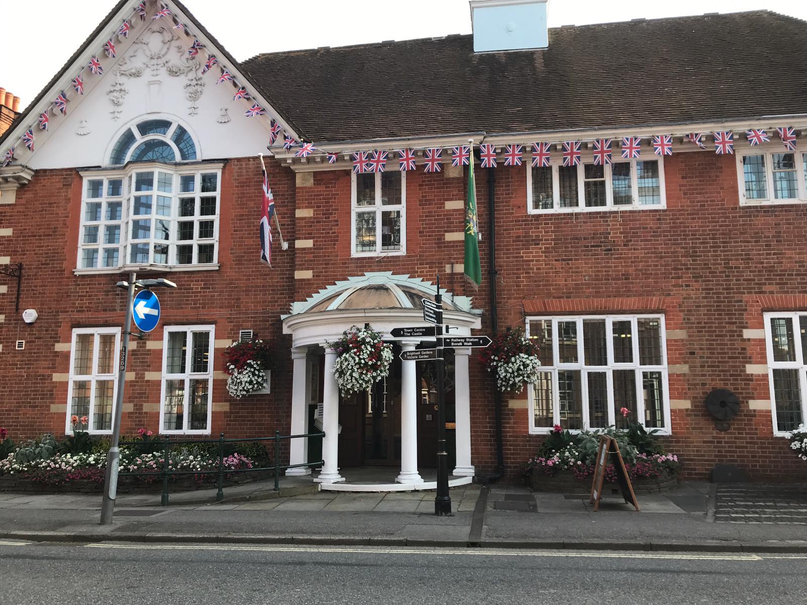 Farnham Town Hall